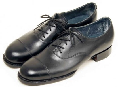 Austere Oxfords with straight caps 2 rows stitches pair