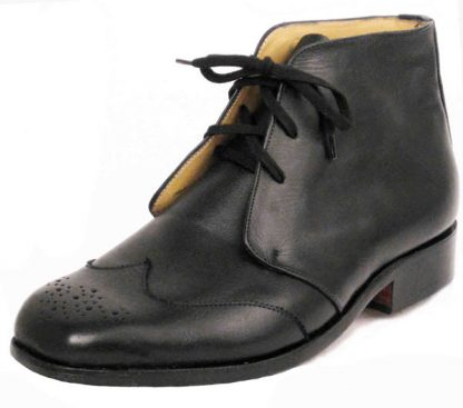 Derby boots with Austrian wing caps