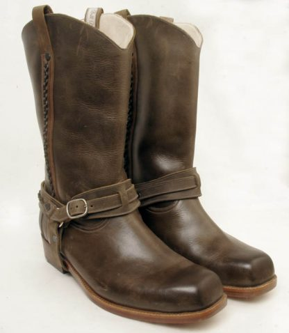 men's or women's cowboy boots