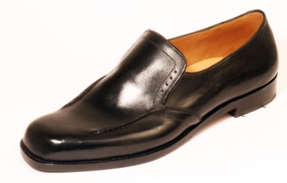 handmade black elastic on instep dress shoe with stitch and brogue detail for swollen toe joint