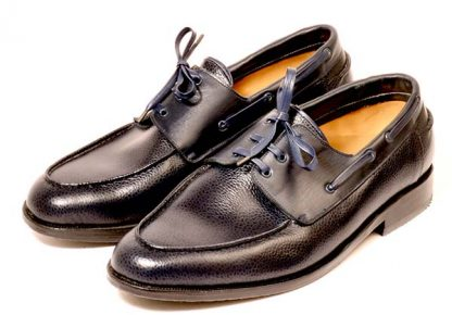 Deck shoes for gentleman with flat foot and bunions pair