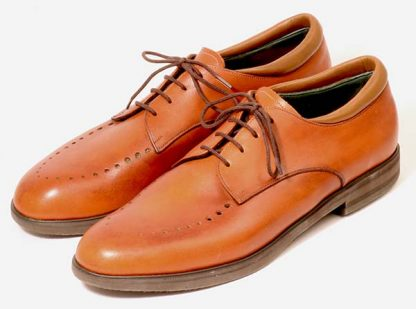 For gentleman with wide feet and hammer toes traced pattern on fronts to not aggravate sensitive toes pair