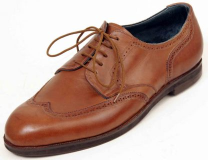 Derby brogues with wing caps and counters
