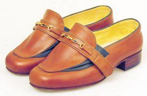Slip on velcro shoes for lymphodema