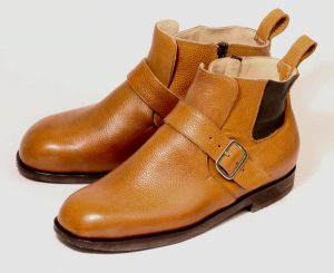 Boots for man with swollen ankles pair