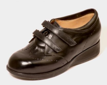 Double velcro strap brogues for leg length difference and arthritis